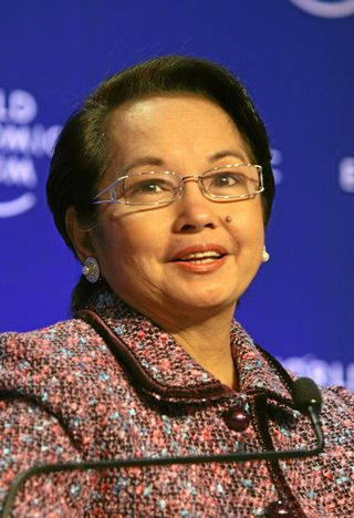 410px-Gloria_Macapagal_Arroyo_WEF_2009-crop